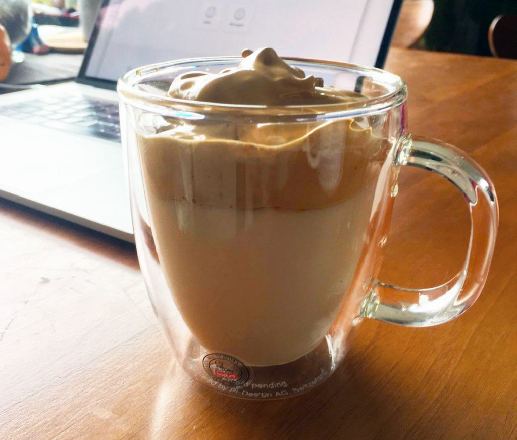whipped drinks dalgona coffee