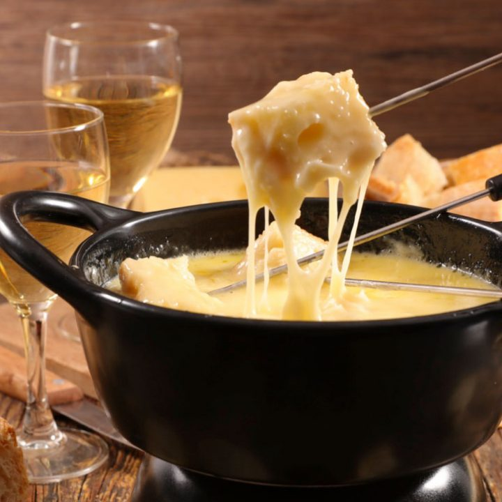 fondue melted cheese dip