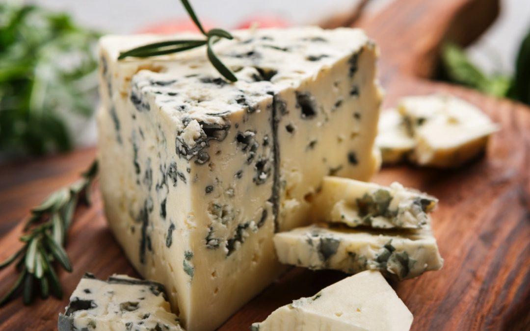 Gorgonzola: the versatile Italian blue cheese with a tiny kick